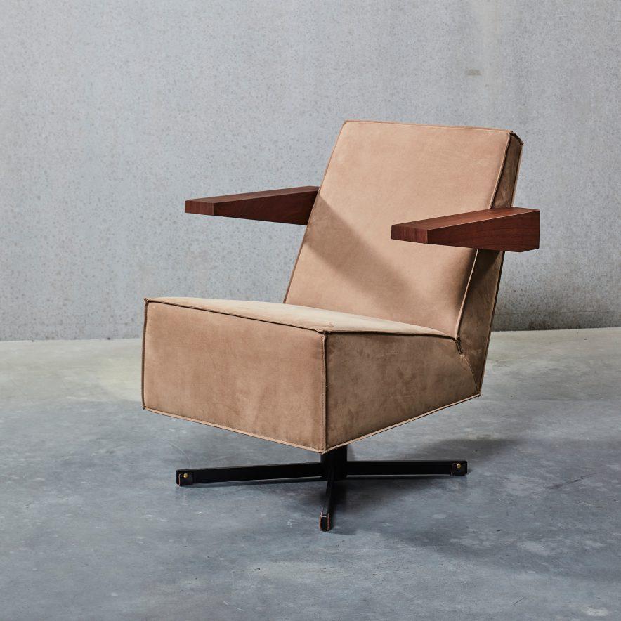 Press Room Chair | Spectrum